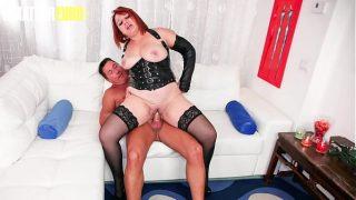 Bbw italian Lady Tries Anal With Her Man On Cam